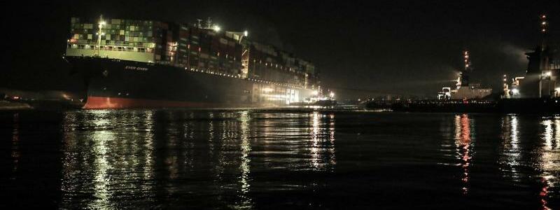 Einsatz im Suezkanal - Foto: -/Suez Canal Authority/dpa