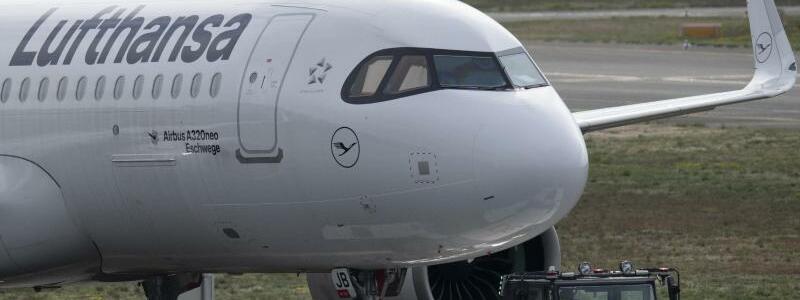 Lufthansa-Maschine - Foto: Boris Roessler/dpa