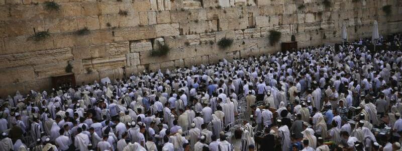 An der Klagemauer - Foto: Oded Balilty/AP/dpa