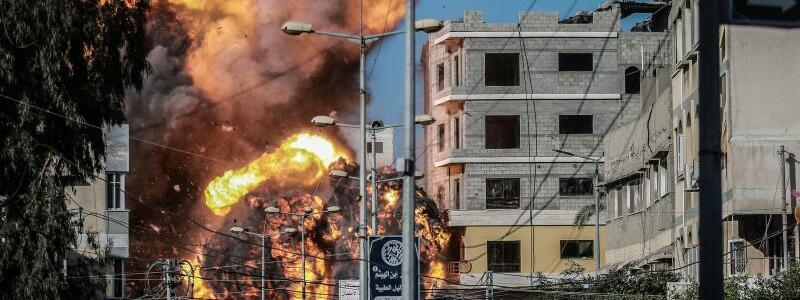 Luftangriffe auf Gaza - Foto: Mohammed Talatene/dpa