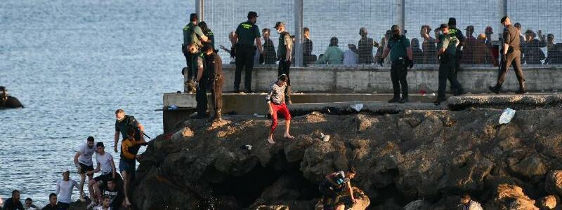 Migranten in Spanien - Foto: Antonio Sempere/EUROPA PRESS/dpa