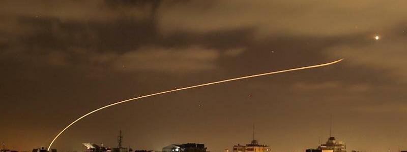 Raketen ?ber Gaza - Foto: Bashar Taleb/APA Images via ZUMA Wire/dpa