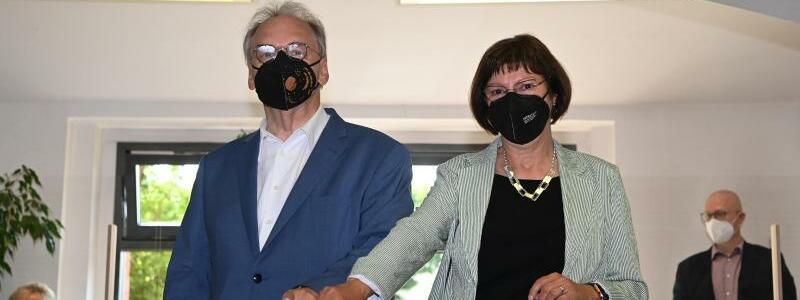 Reiner Haseloff und Ehefrau Gabriele - Foto: Robert Michael/dpa-Zentralbild/dpa