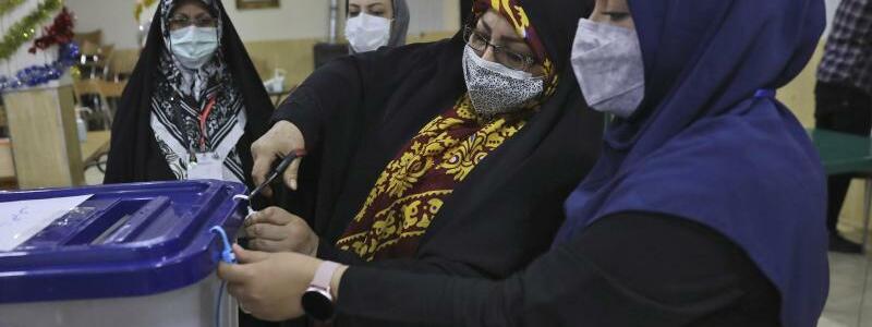 Pr?sidentenwahl im Iran beendet - Foto: Vahid Salemi/AP/dpa