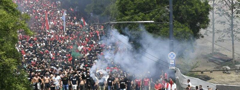 Ungarische Fans - Foto: Zoltan Mathe/MTI/AP/dpa