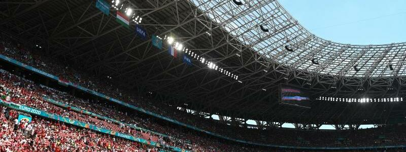 Volles Stadion - Foto: Robert Michael/dpa-Zentralbild/dpa
