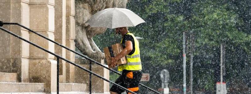 Regenwetter - Foto: Julian Stratenschulte/dpa