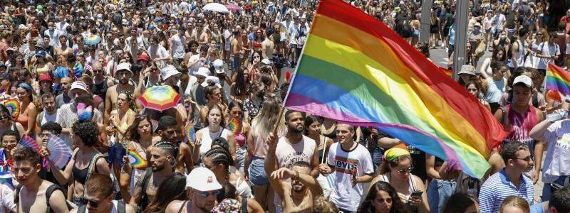 Gay-Pride-Parade in Tel Aviv - Foto: Ariel Schalit/AP/dpa