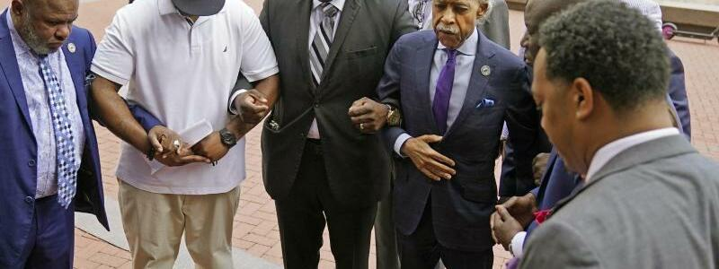 Al Sharpton und Familienmitglieder - Foto: Jim Mone/AP/dpa