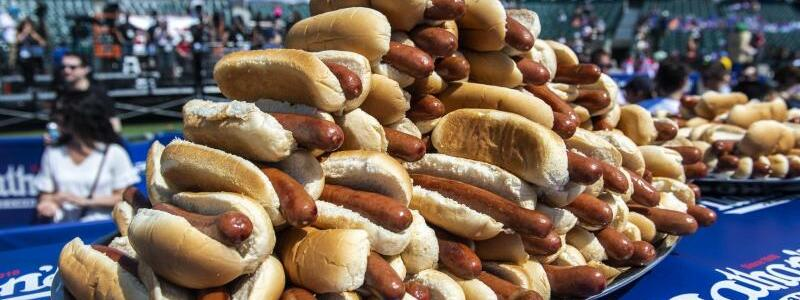 Hotdog-Wettessen - Foto: Brittainy Newman/FR171797 AP/dpa