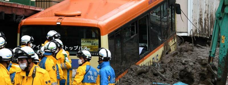 Schlammlawine in Japan - Foto: Hua Yi/XinHua/dpa