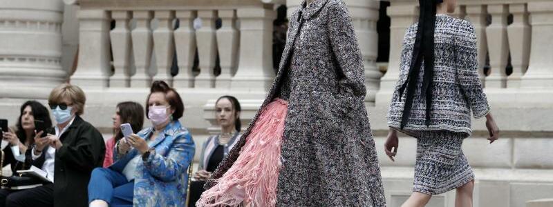 Haute-Couture-Modenschauen - Foto: Lewis Joly/AP/dpa