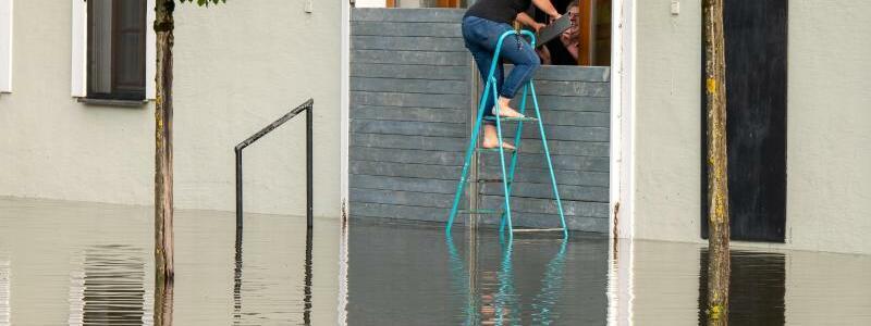 Unwetter in Passau - Foto: Peter Kneffel/dpa