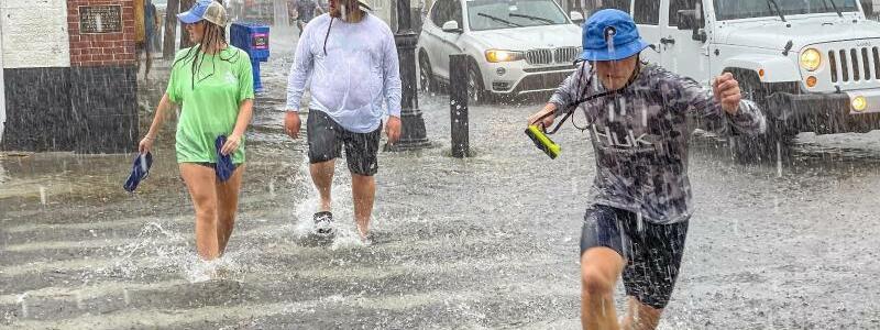 Hochwasser durch Tropensturm ?Elsa? - Foto: Rob O'neal/The Key West Citizen/AP/dpa