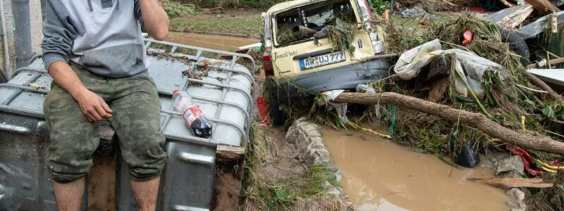 Flutkatastrophe - Foto: Boris Roessler/dpa