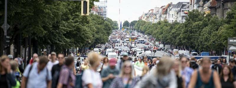 Demo in Berlin - Foto: Fabian Sommer/dpa