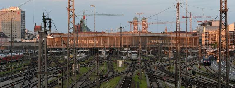 Hauptbahnhof M?nchen - Foto: Felix H?rhager/dpa