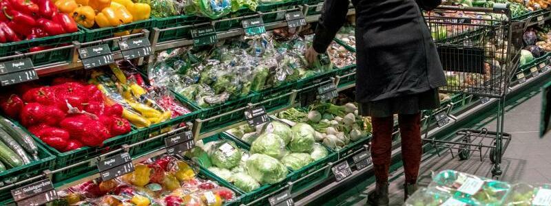Debatte um Preise f?r Obst und Gem?se - Foto: Jens B?ttner/zb/dpa
