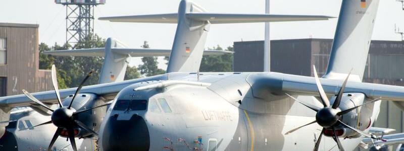 Airbus A400M - Foto: Hauke-Christian Dittrich/dpa