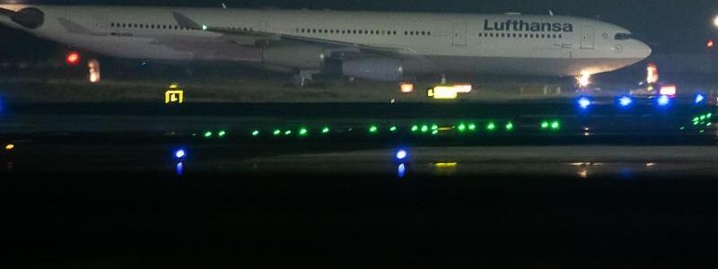Lufthansa-Maschine - Foto: Sebastian Gollnow/dpa