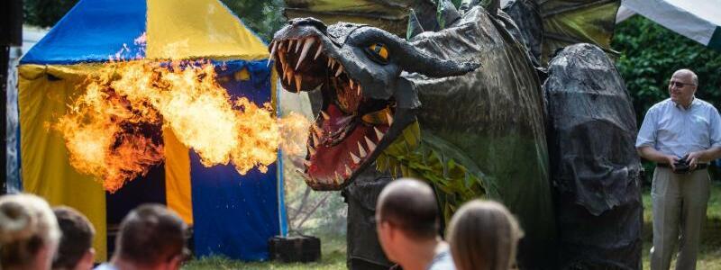 Start des Fantasy-Festivals Annotopia - Foto: Christoph Schmidt/dpa