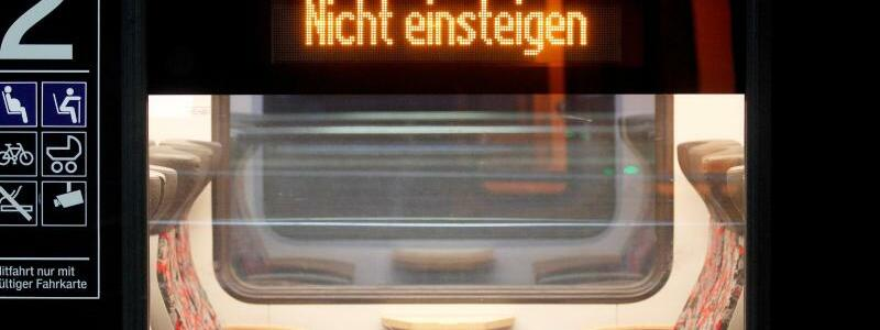 Nahverkehr in NRW - Foto: Roland Weihrauch/dpa
