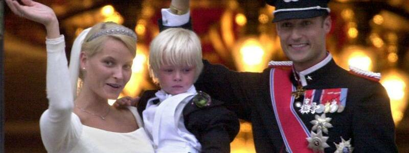 Kronprinzenpaar Haakon und Mette-Marit - Foto: Martin Athenst?dt/dpa