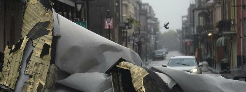 Zerst?rtes Dach - Foto: Eric Gay/AP/dpa