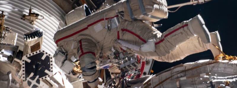 Arbeiten an der Anlegestelle ?Pirs? an der ISS - Foto: -/NASA via ZUMA Wire/dpa/Archivbild