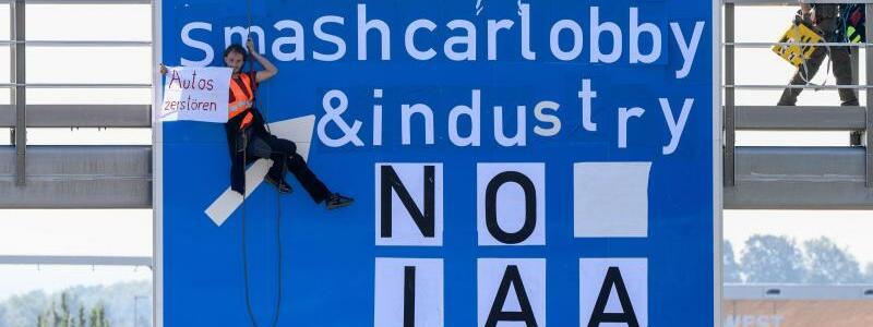 Protest gegen IAA Mobility - Foto: Matthias Balk/dpa