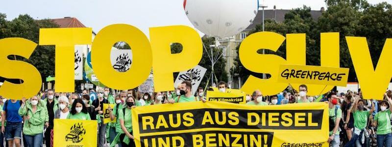 Proteste - Foto: Matthias Balk/dpa