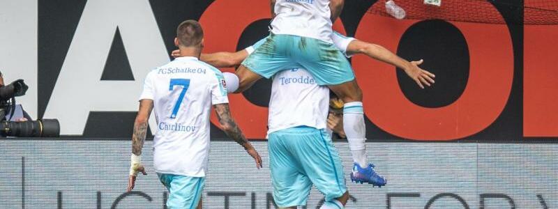 Schalker Jubel - Foto: David Inderlied/dpa