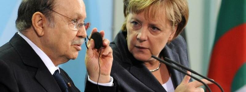 Bouteflika und Merkel - Foto: Rainer Jensen/dpa