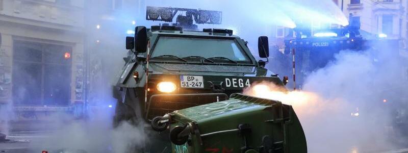 R?umpanzer der Polizei - Foto: Jan Woitas/dpa-Zentralbild/dpa