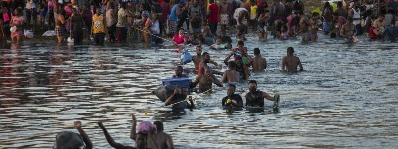 Migration an der Grenze zwischen Mexiko und USA - Foto: Felix Marquez/AP/dpa