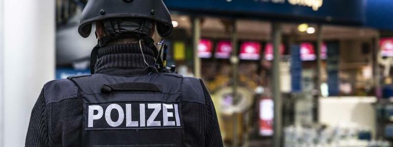 Angestellter einer?Tankstelle erschossen - Foto: Christian Schulz/Foto Hosser/dpa