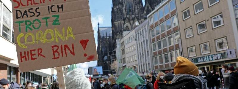 Klimaprotest - Foto: Oliver Berg/dpa