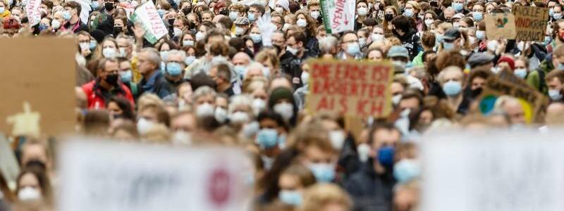 Demonstration von Fridays for Future in Hamburg - Foto: Markus Scholz/dpa