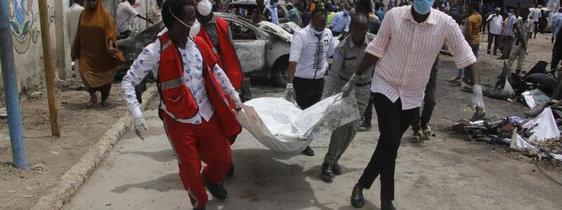 Anschlag in Mogadischu - Foto: Farah Abdi Warsameh/AP/dpa