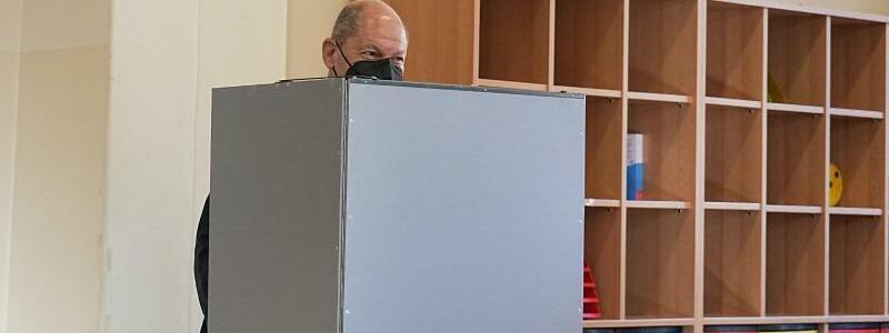 Bundestagswahl ? Stimmabgabe Scholz SPD - Foto: Michael Kappeler/dpa Pool/dpa