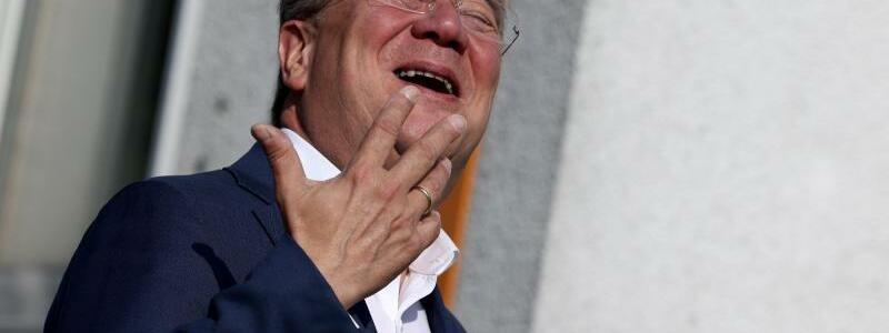 Bundestagswahl - Stimmabgabe Laschet CDU - Foto: Rolf Vennenbernd/dpa