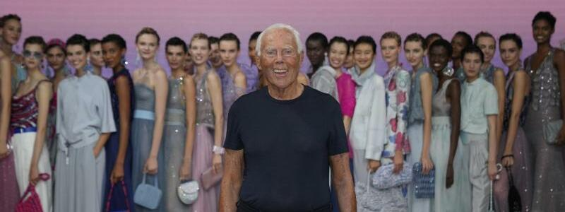 Fashion Week in Mailand - Armani - Foto: Antonio Calanni/AP/dpa