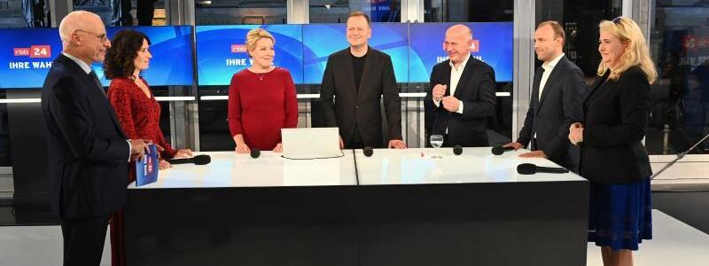 TV-Runde der Berliner Spitzenkandidaten - Foto: Soeren Stache/dpa-Zentralb