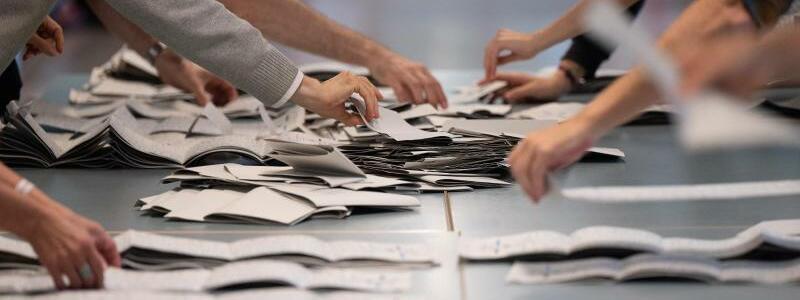 Pannen bei Wahl in Berlin - Foto: Sebastian Gollnow/dpa
