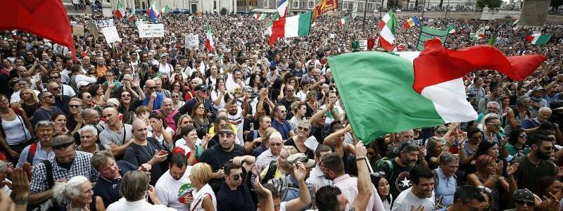 Corona-Demo - Foto: Cecilia Fabiano/LaPresse/AP/dpa