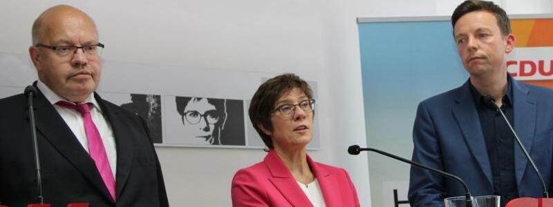 AKK und Altmaier ziehen sich aus Bundestag zur?ck - Foto: Katja Sponholz/dpa