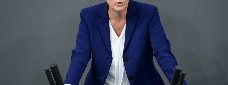 Annegret Kramp-Karrenbauer - Foto: Britta Pedersen/dpa-Zentralbild/dpa
