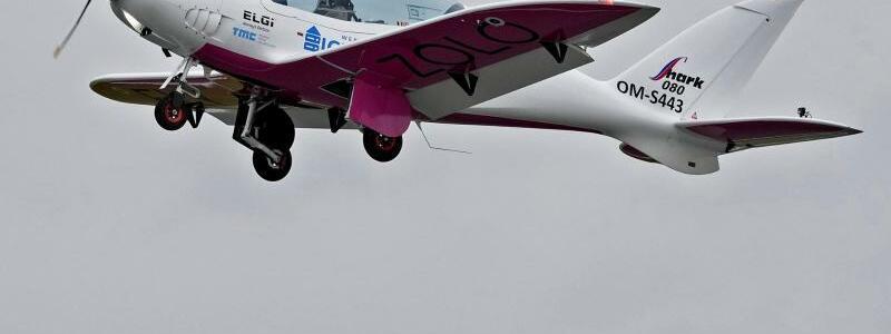 Rutherford im Ultraleichtflugzeug - Foto: Virginia Mayo/AP/dpa