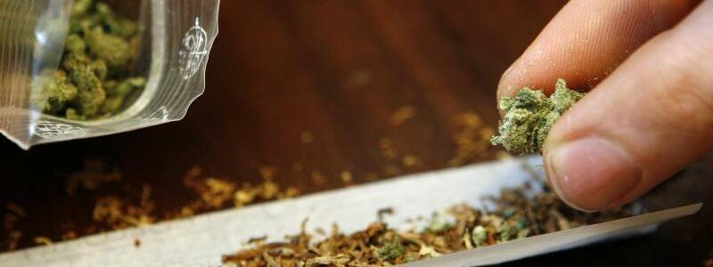 Cannabis - Foto: Daniel Karmann/dpa