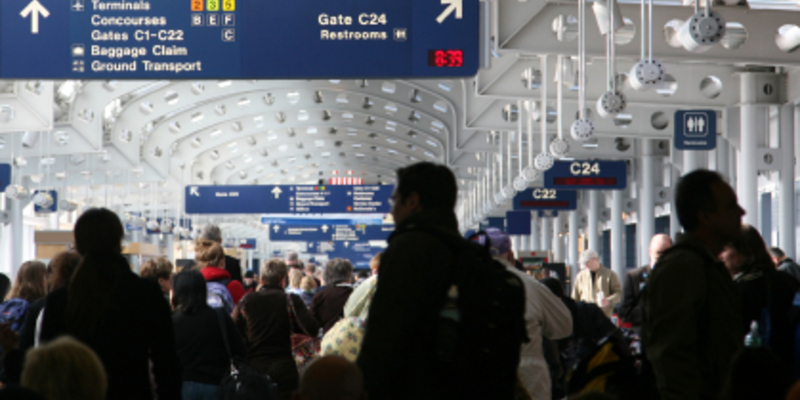Flughafen - Foto: iStockphoto.com / Terraxplorer
